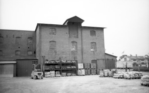 Spritfabriken från väster.